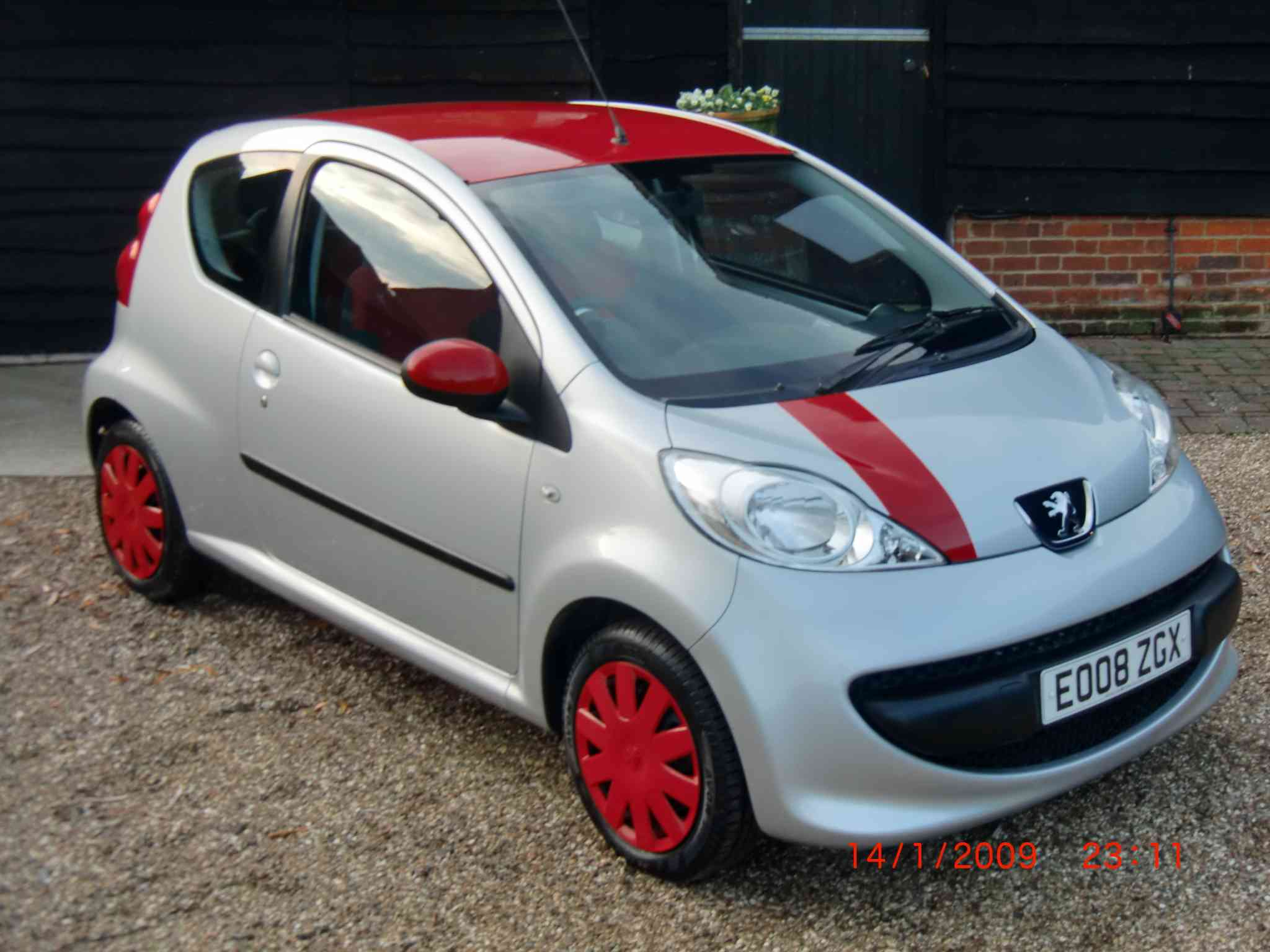 PEUGEOT 107 Urban 3 Door Hatchback £3399